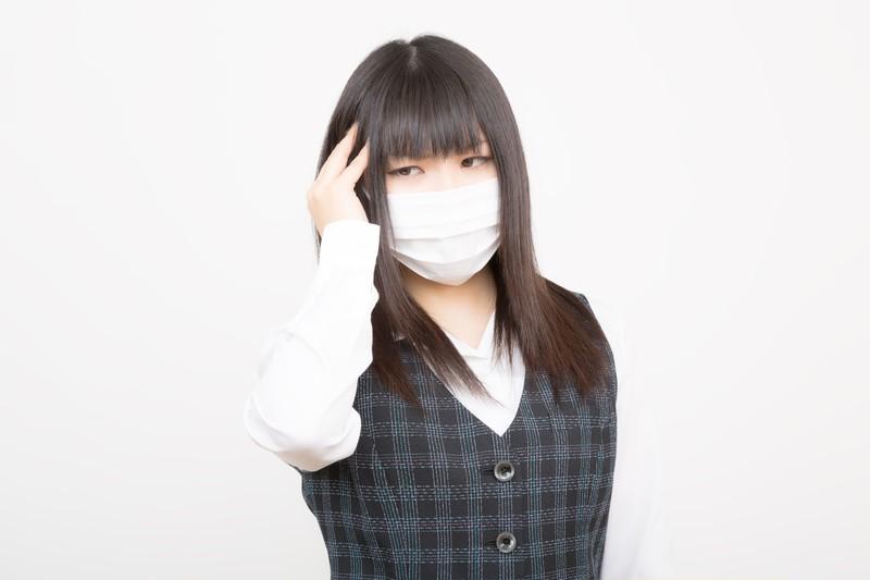 杉花粉の飛散が終わってもマスクを着用している人は、一年中マスクをしている